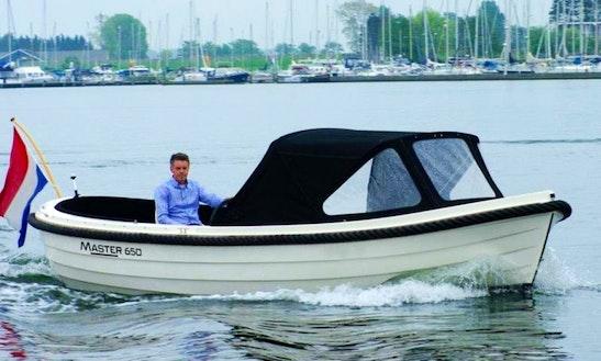 Rent Master 650 Powerboat In Kortgene
