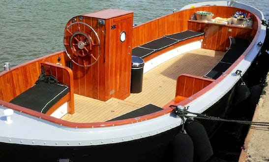 Charter 32ft Electric Boat In Amsterdam, Netherlands