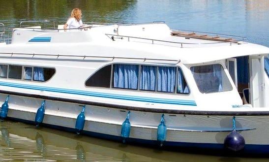 47' Riverboat In Egå