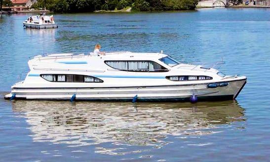 47' Magnifique Riverboat In Egå