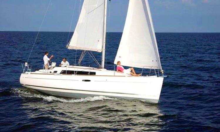 "34' Oceanis Sailing Yacht ""Dizzy Lizzy"""