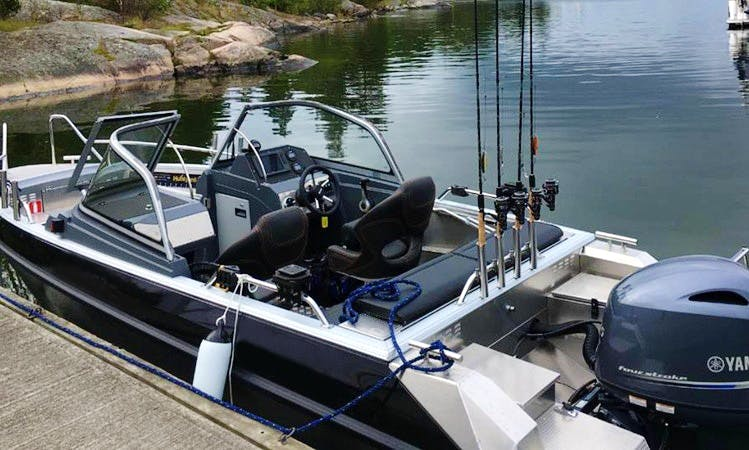 Enjoy Fishing in Åkersberga, Stockholms on Buster Bowrider