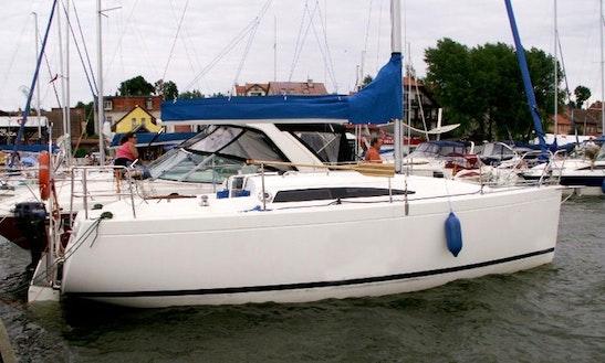 Charter Antila 27 Cruising Monohull In Mikołajki