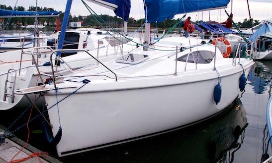 Charter Antila 22 Cruising Monohull In Mikołajki