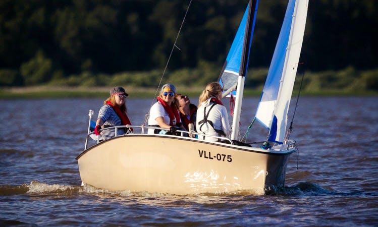 Hire the 16ft sailboat in Oiu, Estonia