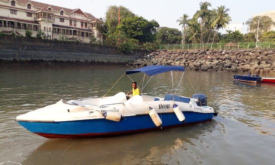 Charter A 6 Person Speed Boat In Mumbai, India