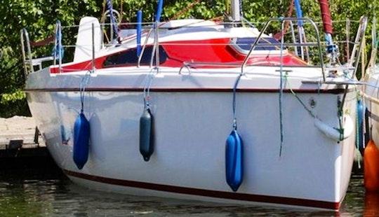 Laguna 25 Cruising Monohull Charter In Gizycko