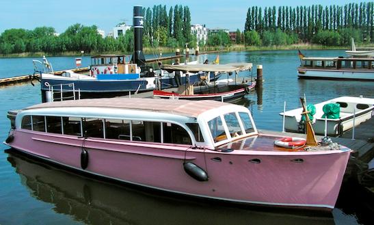 Charter 36ft Motor Yacht In Berlin, Germany