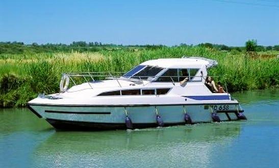 29' Caprice Riverboat In Egå