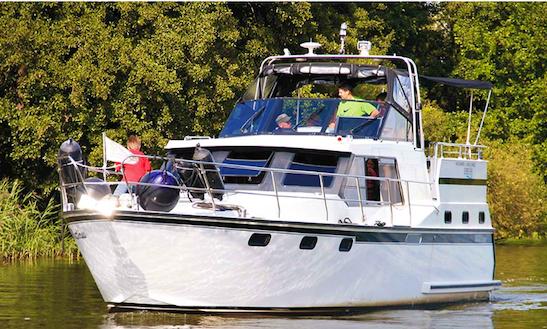 Charter 38' Succes Ultra Motor Yacht In Brandenburg, Germany
