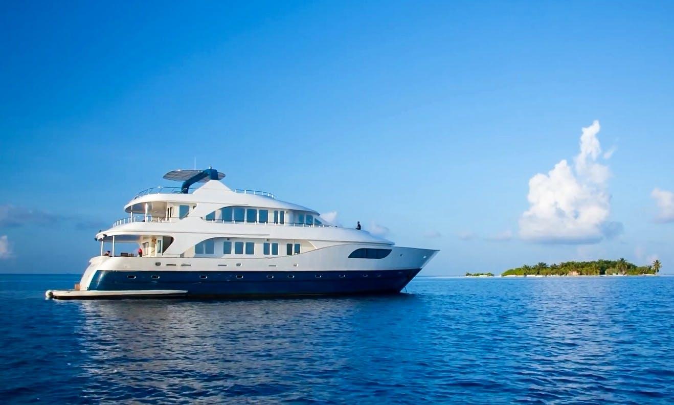 Maldives Luxury Yacht Charter