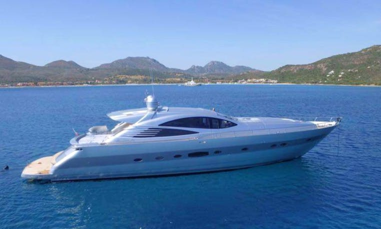 See all the Beauty of Portofino by Motor Yacht