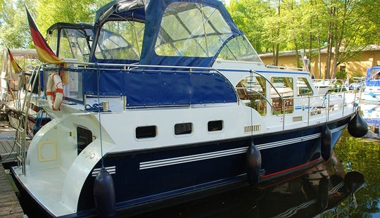 Rent A Pedro Skiron 35 (luise) In Zehdenick