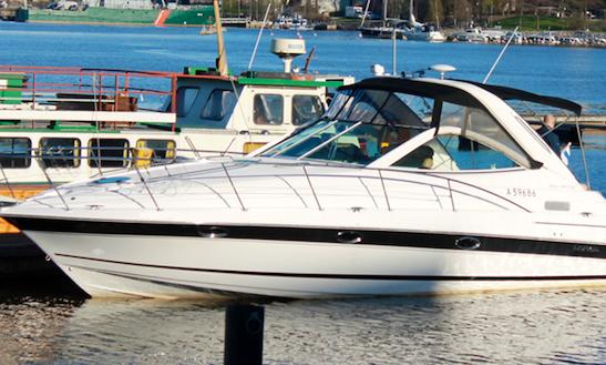 Charter 39' Doral Boca Grande Motor Yacht In Tampere, Finland