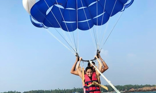 Enjoy Parasailing In Malvan, India