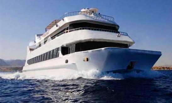 Nautilus Yacht Sea Excursion In South Sinai