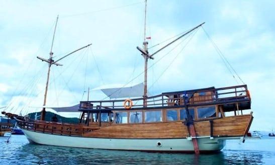 Charter 72' Phinisi Boat 01 Gulet In Komodo, Indonesia
