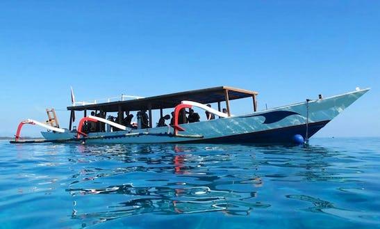 Dive Boat For 24 People In Kerambitan