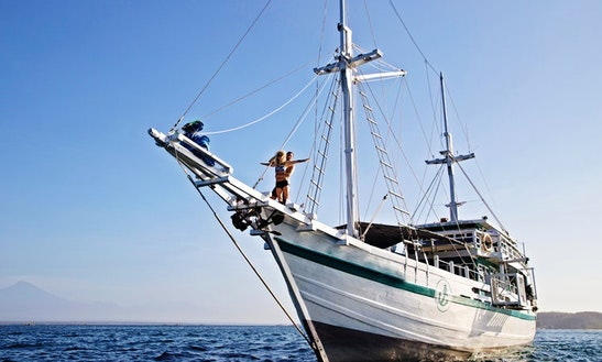 Captained Charter On 91ft Traditional Phinisi Schooner In Komodo Nusa, Indonesia