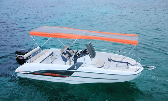 Rent The 2016  Beneteau Flyer 6.6 Spacedeck In Torroella De Montgrí, Spain