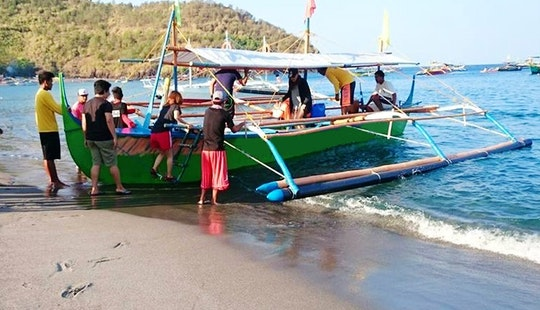 Exciting Traditional Boat Trips For 25 Person In San Antonio, Philippines