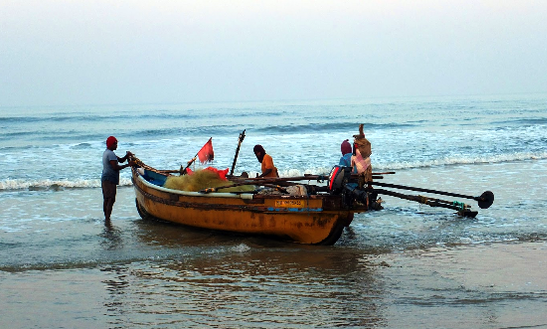Dinghy Rental In Kudal, India For Up To 6 Passengers