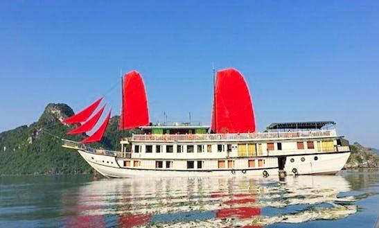 2 Days Classic Cruise In Thành Phố Hạ Long, Vietnam On A Gulet