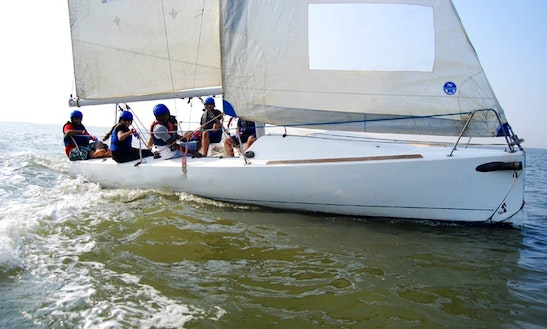 Daysailer Rental In Mumbai