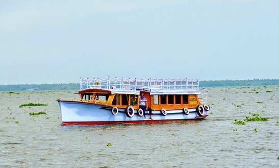 Canal Boat Rental In Alleppey
