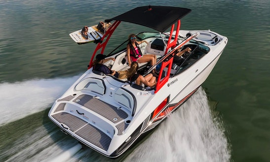Explore Miami Beach On A 19' Jetboat