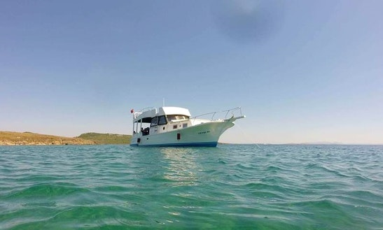 Charter A Motor Yacht In Balıkesir, Turkey