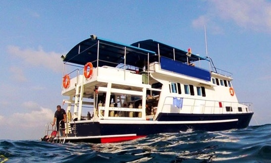 Live On Board Dive Boat In Singapore