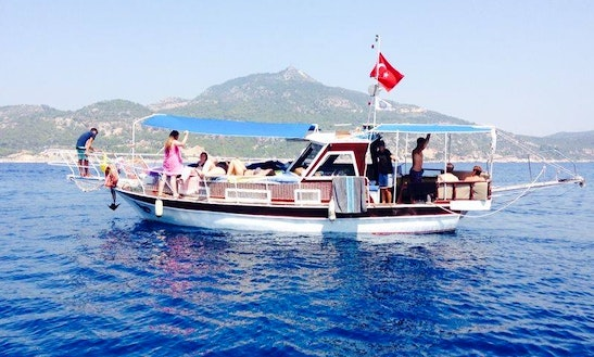 Motor Yacht Rental In Antalya