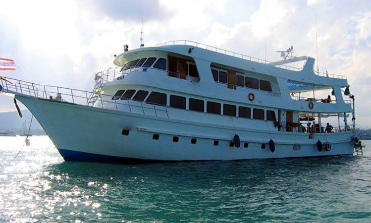 """Liveaboard Dive Boat """"MV Somboon 4"""" in Phuket"""