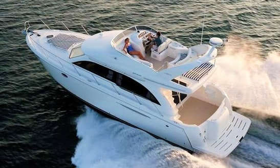 Enjoy Time On The Lake On A Luxury Yacht!