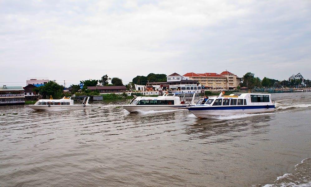 Cruise the coast of Mandau Talawang, Indonesia
