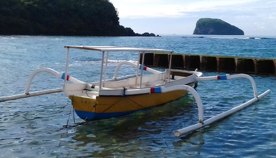 Have A Boat Day On A Traditional Boat Charter In Manggis, Bali