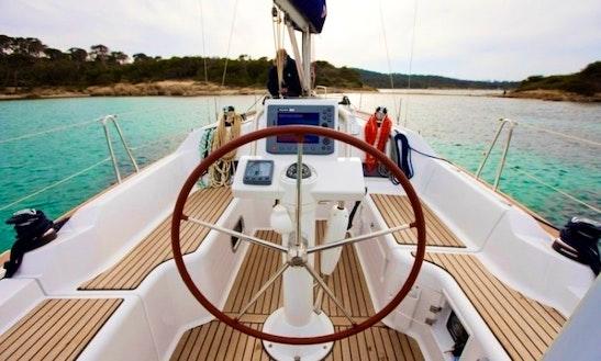 Charter Beneteau Oceanis 31 Sailboat In Costa Daurada, Cambrils