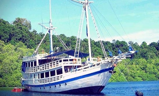 Pearl Of Papua Gulet Charter In Pulo Gadung, Indonesia