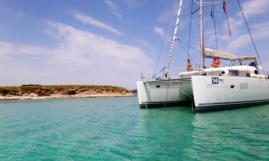 Charter 40' Lagoon Cruising Catamaran