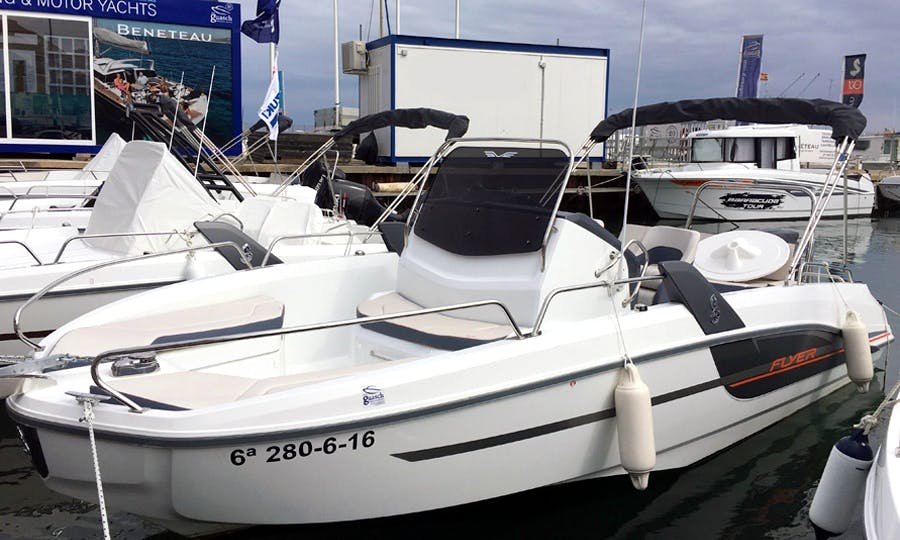 Rent the 2018 Flyer 6.6 Spacedeck Powerboat in Barcelona, Spain