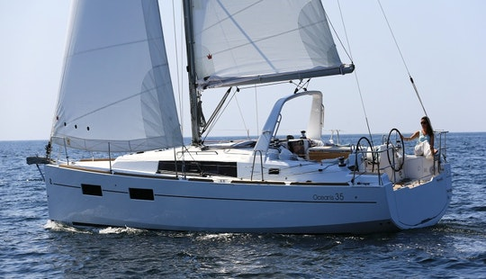 Beneteau Oceanis 35 Sailboat Charter In Cambrils, Catalunya