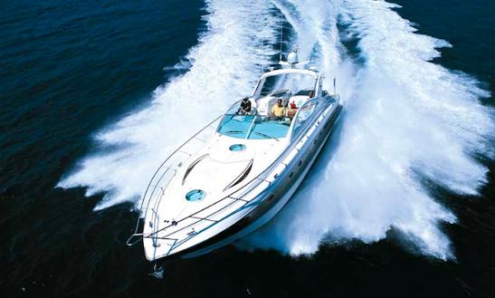 Charter 52' Fairline Targa Yacht In Tourlos, Greece