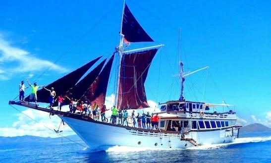 Charter 98' Perahu Phinisi Pribadi 2 Gulet In Komodo, Indonesia