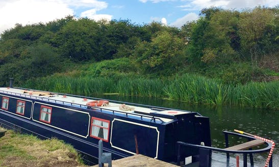Canal Boat Rental In Yarwell