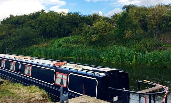Canal Boat Rental In Yarwell