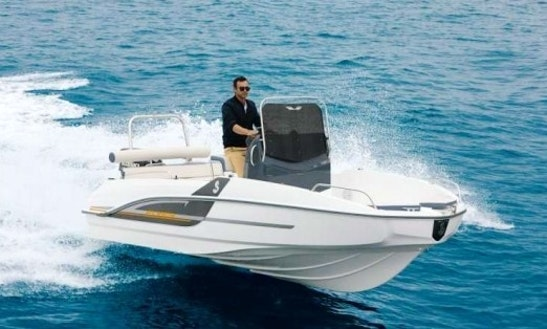 Rent The New Model Flyer 5.5 Spacedeck Boat In Barcelona