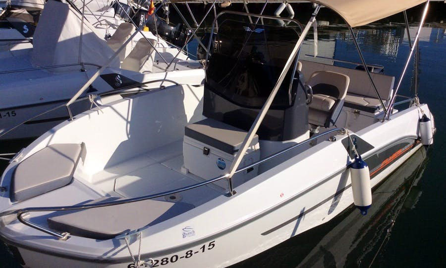 Rent the Flyer 5.5 Spacedeck Boat in Barcelona for great experiences