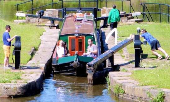 Wandering Duck Hosted Canal Boat Weekend