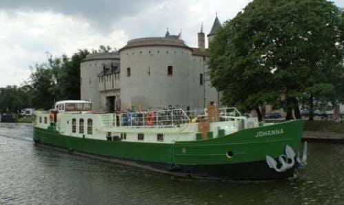 Charter barge Johanna, Champagne area, France